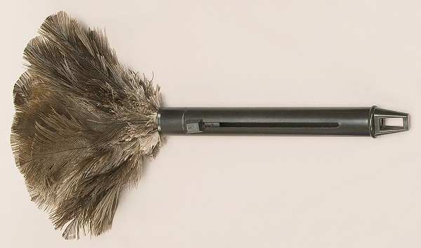 Ostrich Feather Dusters - Retractable V-RTX-G